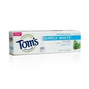 simply-white-toothpaste-clean-mint-with-fluoride-47-oz-133-grams-by-toms-of-maine